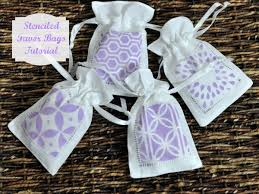 linen favor bags easy stenciled linen favor bags bumblebee linens