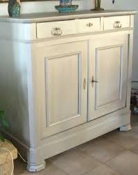 quelle peinture pour repeindre des meubles de cuisine repeindre un vieux meuble avec peinture pour meuble de cuisine en