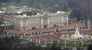 How Many Bathrooms In Buckingham Palace by Mps Vote To Back Funding For 10 Year Buckingham Palace Refurbishment