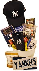 new york gift baskets best 69 best gifts for new york yankees fans images on