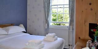 kendal accommodation kendal b u0026b sonata guest house kendal la9 4rl