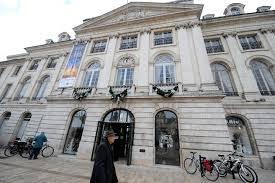 chambre de commerce orleans nespresso attendu à orléans sur la place du martroi orléans