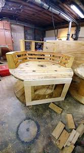Cable Reel Chair Wonderful Build Diy Pallet Oversize Chair U2022 Recyclart