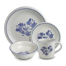 pfaltzgraff yorktowne 32 dinnerware set