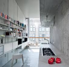 Interieur Aus Holz Und Beton Haus Bilder Architekt Schlägt Günstiges Wohnen Im Rohbau Vor Welt