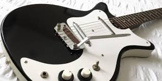 stratocaster vs telecaster the differences that matter reverb news