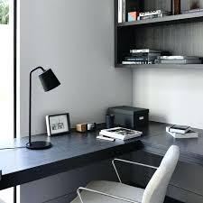 travail dans un bureau bureau plan de travail bureau avec un plan de travail noir
