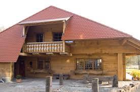 Wohnhaus Kaufen Holzhaus Und Blockhaus Gesundes Bauen Mit Holz Lehm Und Stein