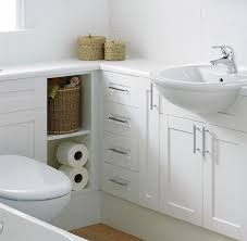 Tiny Bathroom Storage Ideas by Best 25 Small Bathroom Inspiration Ideas On Pinterest Small