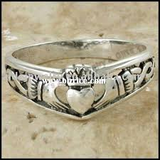 Claddagh Wedding Ring by Best 25 Claddagh Ideas On Pinterest Irish Heart Ring Irish