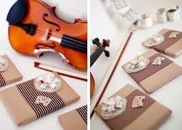 rehearsal dinner favors violins and vows diy rehearsal dinner theme from host it notes