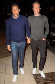 don don lemon holds hands with boyfriend at snl afterparty people com
