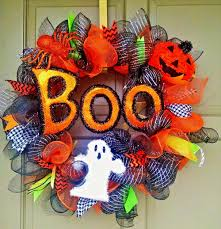 the 15 spookiest wreaths to put on your door this halloween season