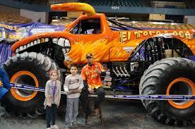 el toro loco monster truck videos evan and lauren u0027s cool blog 2 15 14 monster jam 2014 at the dcu