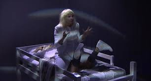 Sia Singing Chandelier Live Sia Performs Chandelier Laying On Bed At Late