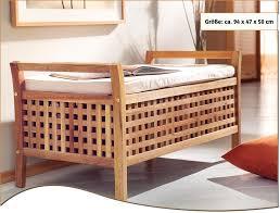 sitzbank für badezimmer sitzbank walnussholz mit kissen und stauraum badezimmer
