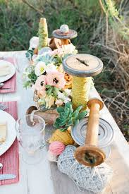 Diy Table Centerpieces For Weddings by 22 Eye Catching U0026 Inexpensive Diy Wedding Centerpieces Thegoodstuff