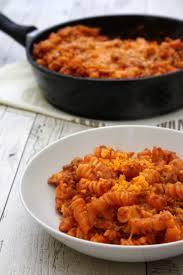 les sauces en cuisine one pot pasta à la sauce tomate bœuf haché et cheddar plats