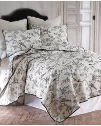 French Toile Bedding Amazon Com Black Toile On Creamy White 3 Piece King Size Quilt