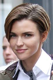how to get ruby rose haircut ruby rose s hairstyles hair colors steal her style page 2