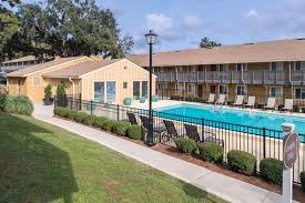 seminole flatts off campus student housing by fsu in tallahassee