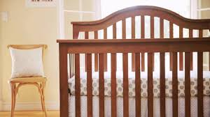 Da Vinci Emily Mini Crib by Davinci Clover Baby Crib Video Youtube