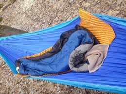 the best hammock sleeping pad staying warm and cozy outdoors