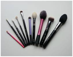 10 must have brushes u2013 floating in dreams