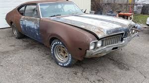 Barn Find Videos Beat Up 1969 Oldsmobile Barn Find Turns Out To Be Rare F 85 W 31