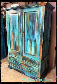 Painting Wood Furniture by Best 25 Distressed Turquoise Furniture Ideas On Pinterest