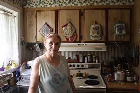 homes in the 1980s aging mobile homes burden owners with huge power bills and mold