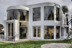 white ultra modern house backyard