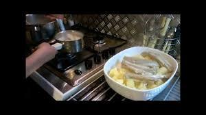 comment cuisiner la saumonette recette de la saumonette a la crème roussette avec sous titre