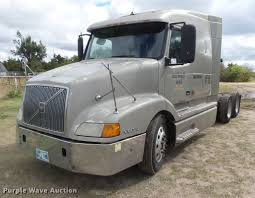 new volvo semi truck price 1998 volvo vnl64t semi truck item dc3800 thursday novemb