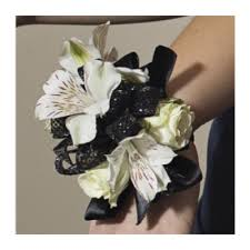 Corsage And Boutonniere For Prom Prom Corsages Prom Corsage Corsages Prom Rockcastle Prom Flowers
