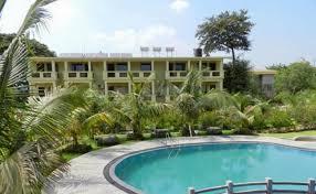 20 popular luxury resorts near mumbai