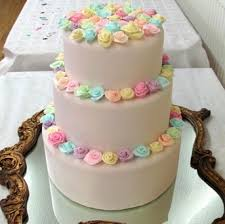 lee farmer designer based in milton keynes cakes for weddings