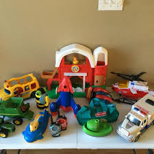 Fisher Price Little People Barn Set Find More Assorted Toys Little People Barn And Bus Tonka