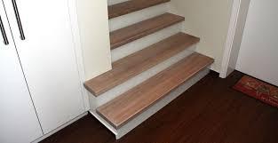 treppen holzstufen treppen direkt holzstufen auf betontreppen holzstufen und
