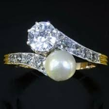 Pearl Wedding Rings by Pearl Engagement Rings And Wedding Rings The Handy Guide Before