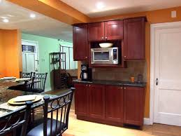 How To Install Kitchen Cabinets Video by How To Glaze Kitchen Cabinets Video Diy