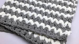 trendy crochet baby blanket tutorial the crochet crowd