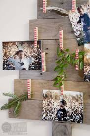 remodelaholic diy pallet wood christmas tree photo u0026 card holder