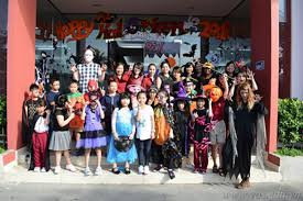 scary halloween party ideas for teenagers a halloween feast in vas vas