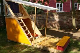 Backyard Playhouse Ideas How To Build A Backyard Playhouse Diy