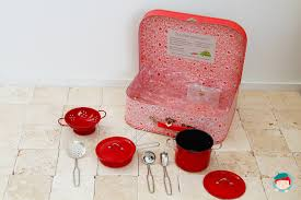 valise cuisine valise cuisine la grande famille moulin roty jeujouet com