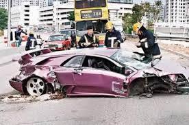 lamborghini diablo jamiroquai crashes a lamborghini diablo top speed