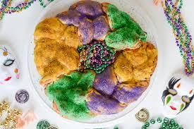 mardi gras king cake baby mardi gras king cake the easy way sofabfood