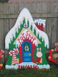 Outdoor Christmas Decorations Elves by Christmas Elves Wrapping Presents Gifts For Santa Wood Yard Art