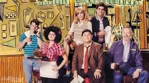 modern family cast re creates cheers ensemble reporter